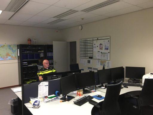 Afbeelding #002 voor het verhaal Dennis is De Stad: een nachtje mee met de politie in Middelburg
