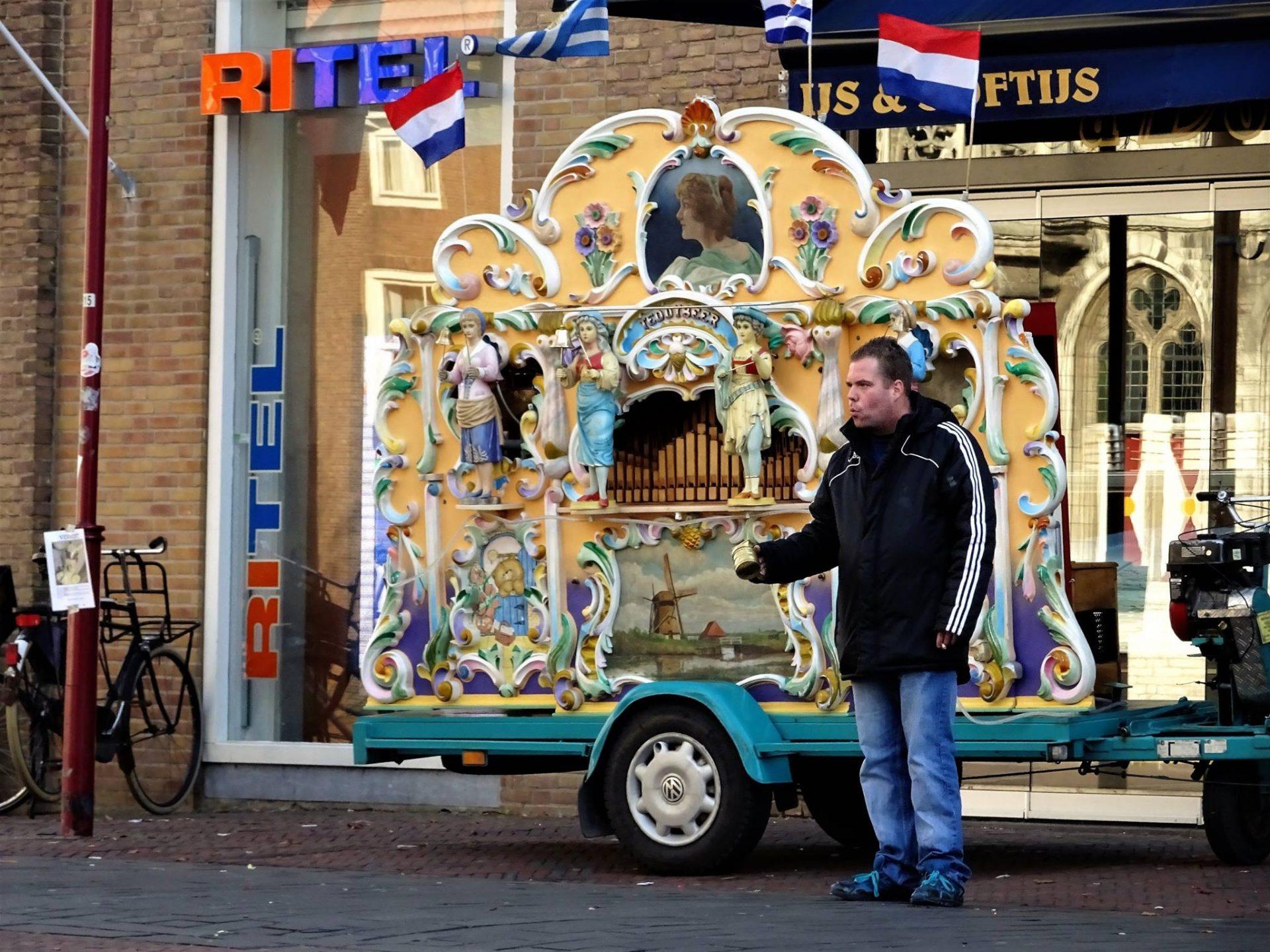 Afbeelding #000 voor het verhaal Draaiorgel De Teddybeer blijft in Middelburg