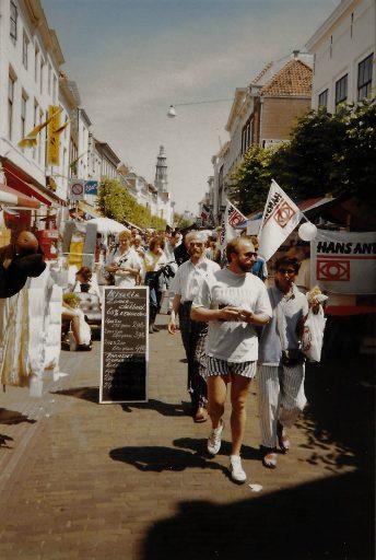 Afbeelding #001 voor het verhaal Een dolle donderdag in Middelburg, jaren 80