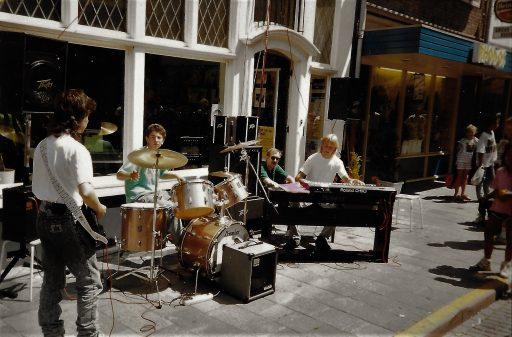 Afbeelding #003 voor het verhaal Een dolle donderdag in Middelburg, jaren 80