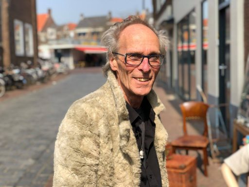 Afbeelding #000 voor het verhaal Een late kennismaking met Paradijsvogels in de Gravenstraat