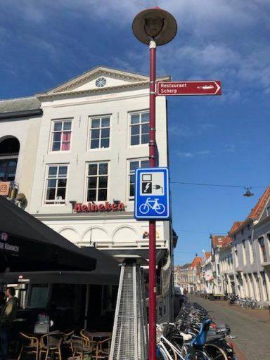 Afbeelding #000 voor het verhaal Een oplaadpunt voor e-bikes bij Cafe Tympaan in Middelburg