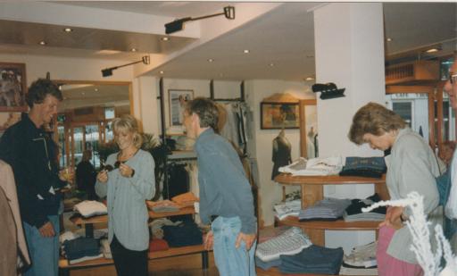 Afbeelding #002 voor het verhaal Een terugblik op 40 jaar Henk Sies Mode in Middelburg