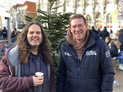 Afbeelding #000 voor het verhaal Exit Middelburg Winterstad: Patrick en Jos over 54 dagen IJsbaan Middelburg