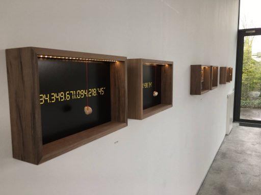 Afbeelding #001 voor het verhaal Expositie: 19 jaar vitrines in Vriendschap, van Rinus Roepman