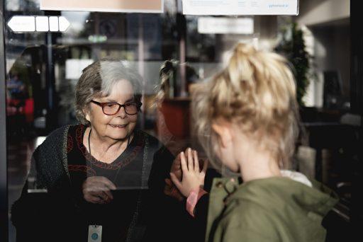 Afbeelding #000 voor het verhaal Foto's vanachter het raam en meer