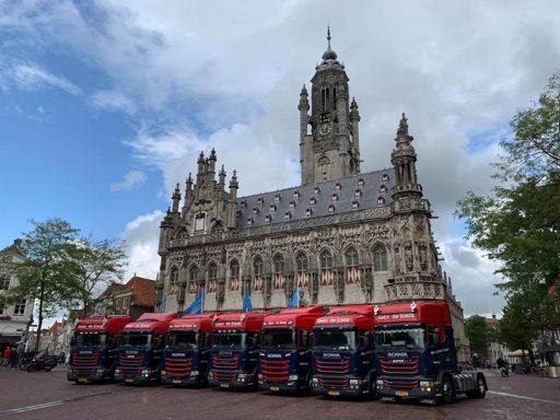 Afbeelding #000 voor het verhaal Fotoshoot Truckstar: 100 jaar Transportbedrijf De Klerk in Middelburg