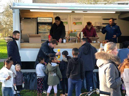 Afbeelding #003 voor het verhaal Frites en snacks van de Juniorkamer bij AZC Middelburg
