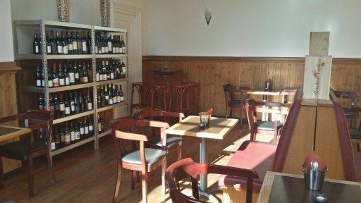 Afbeelding #003 voor het verhaal Geopend aan Damplein 27: Wijnlokaal Middelburg