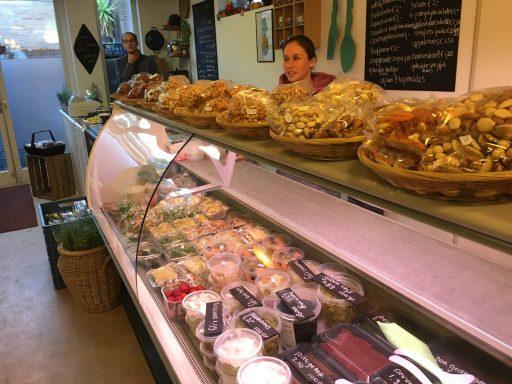 Afbeelding #000 voor het verhaal Geopend en verbouwd: Alles is Eten en Etos Lange Delft