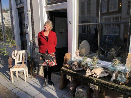 Afbeelding #000 voor het verhaal Geopend in de Vlissingsestraat: B&B en winkel De Vergulde Driehoek