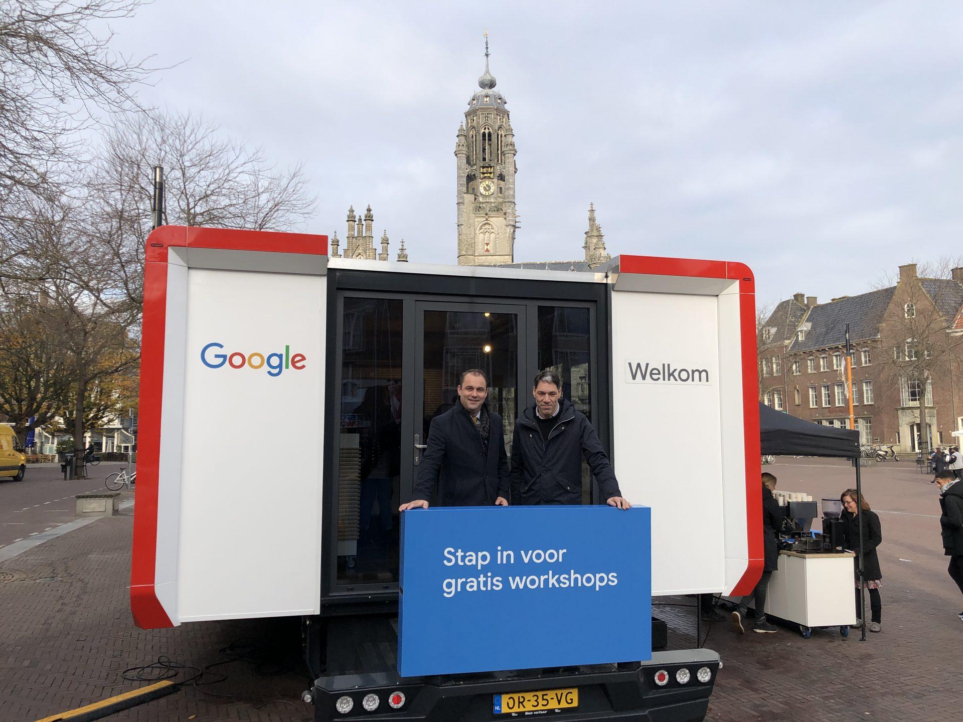 Afbeelding #000 voor het verhaal Google Digitale Werkplaats van start op de Markt in Middelburg