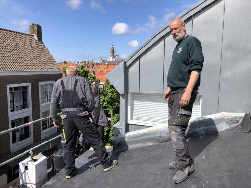 Afbeelding #004 voor het verhaal Het dak op met Henk & John