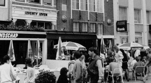 Afbeelding #000 voor het verhaal Het Middelburgse pofleven eind jaren 80: Eurocheques en flappentappen