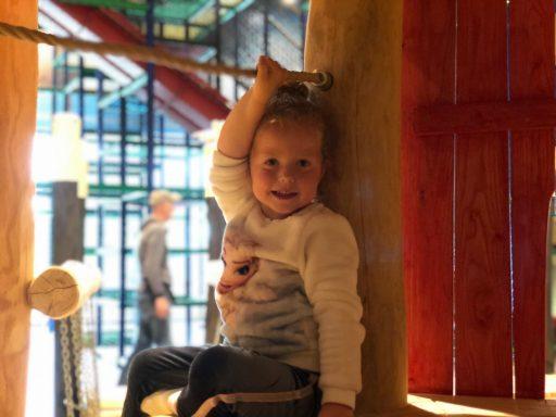 Afbeelding #004 voor het verhaal Het nieuwe indoor klim- en klauterstrand van Mini Mundi Middelburg