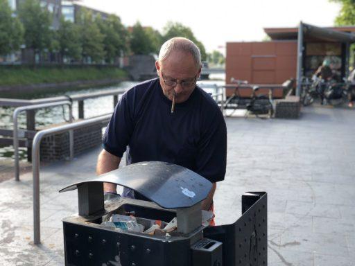 Afbeelding #000 voor het verhaal Hij is De Stad! Frans Dingemanse houdt Middelburg al 42 jaar schoon