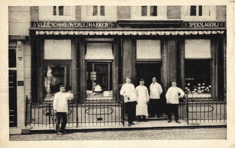 Afbeelding #000 voor het verhaal Hoeden en petten en dameskorsetten: hoe Piet Exler de Middelburgse middenstand tilde