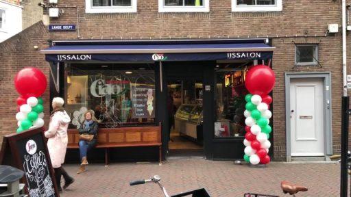 Afbeelding #000 voor het verhaal IJssalon Ciao heropend in de Lange Delft in Middelburg