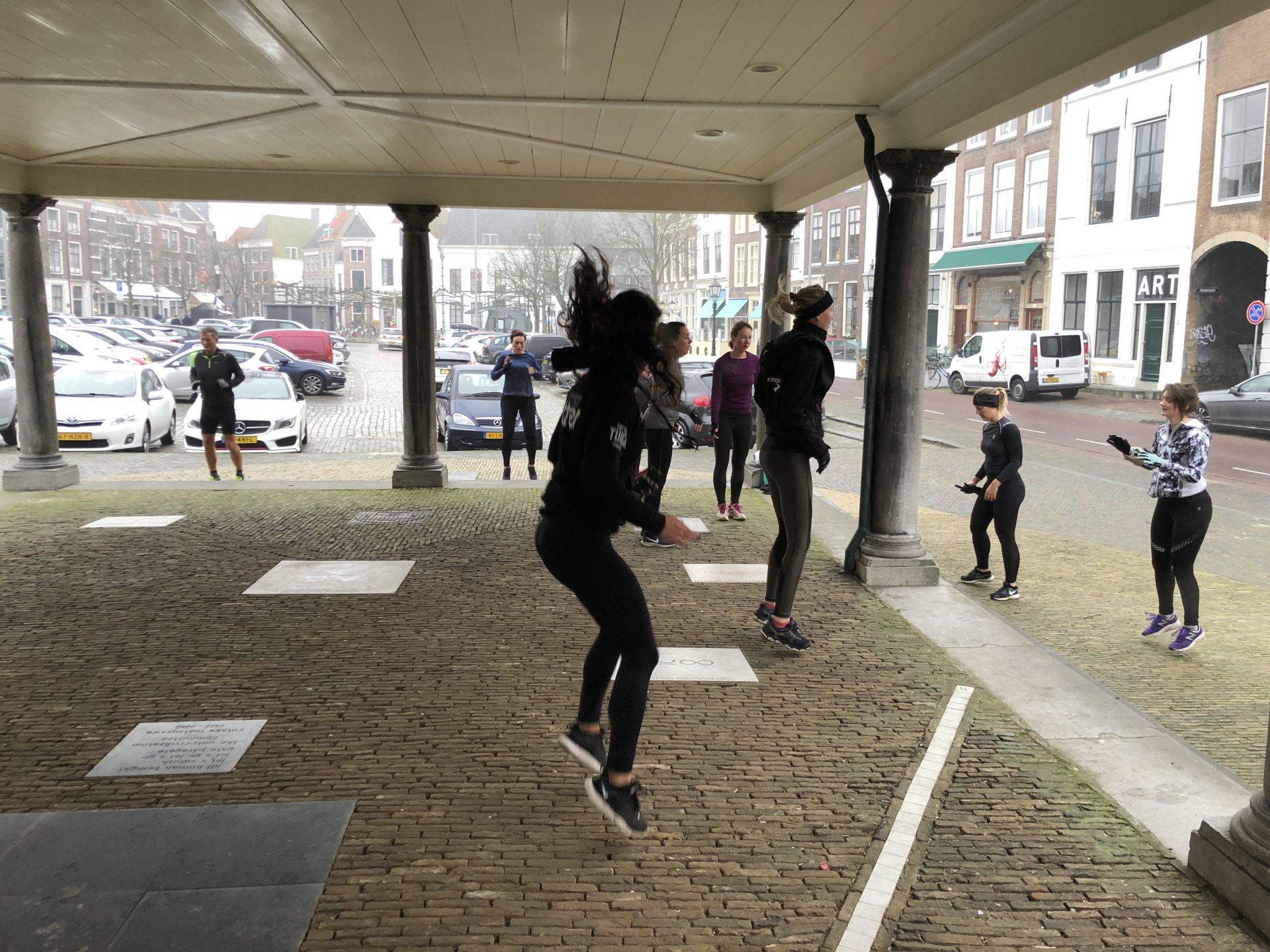 Afbeelding #000 voor het verhaal In beweging! Het jaar afsluiten op het Abdijplein, met Bootcamp Club Fitter Middelburg