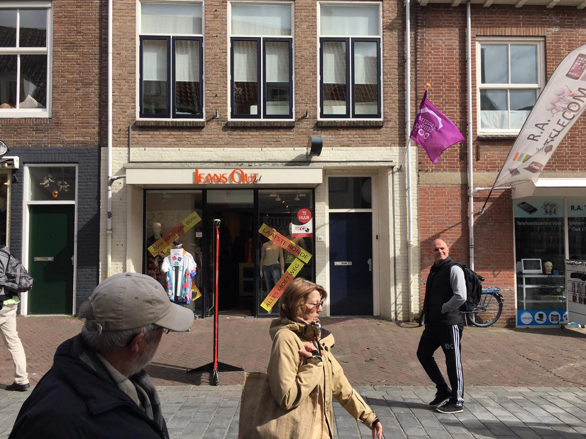 Afbeelding #000 voor het verhaal Jeans Out Middelburg stopt