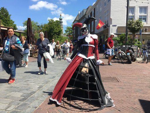 Afbeelding #000 voor het verhaal Jessica Heeren promoot de Middelburgse Voga Veneta