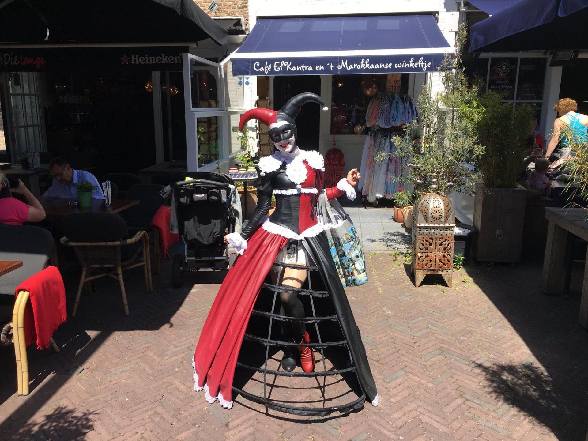 Afbeelding #001 voor het verhaal Jessica Heeren promoot de Middelburgse Voga Veneta