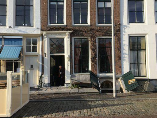 Afbeelding #000 voor het verhaal Kelderkunst: de mooie schilderijen van Mirjam de Visser-Pouwer op Damplein 21