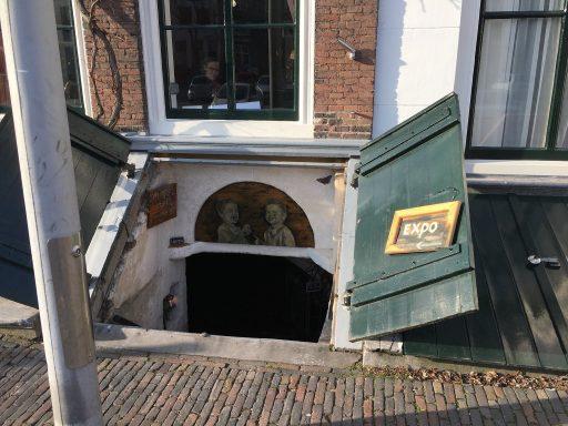 Afbeelding #001 voor het verhaal Kelderkunst: de mooie schilderijen van Mirjam de Visser-Pouwer op Damplein 21