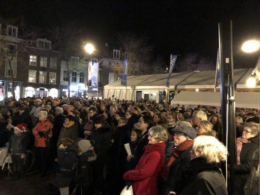 Afbeelding #003 voor het verhaal Kerstzingen op de Markt in Middelburg 2019