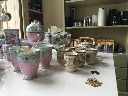 Afbeelding #003 voor het verhaal Koffie- en theewinkel De Hope opent aan de Kinderdijk in Middelburg