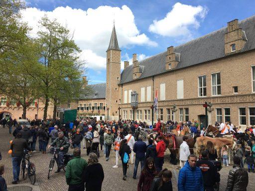 Afbeelding #001 voor het verhaal Koningsdag in Middelburg, in 37 kiekjes