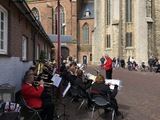 Afbeelding #002 voor het verhaal Koningsdag in Middelburg, in 37 kiekjes