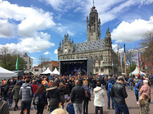 Afbeelding #004 voor het verhaal Koningsdag in Middelburg, in 37 kiekjes