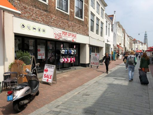 Afbeelding #000 voor het verhaal Loods of Stock: een zeer tijdelijke pop-up store in de Langeviele