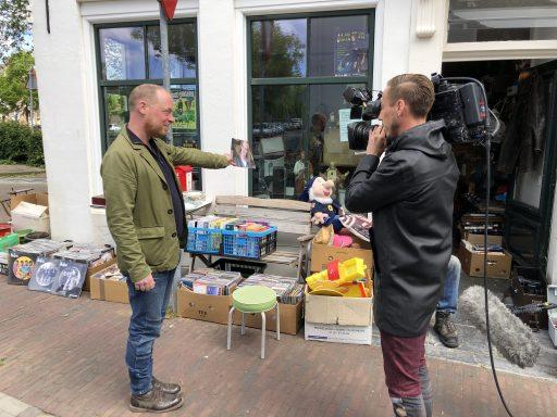 Afbeelding #000 voor het verhaal Man bij hond op bezoek bij Jan van Dam Fransoutbiet