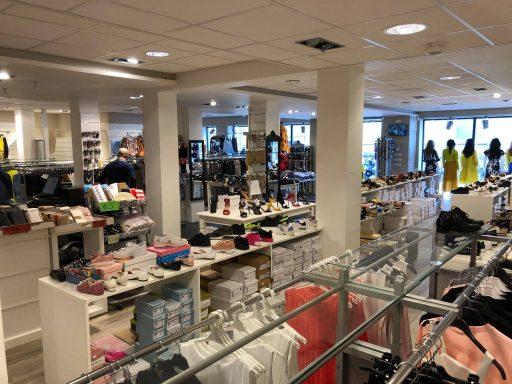 Afbeelding #004 voor het verhaal Max Moda heropend aan Gravenstraat 3 in Middelburg