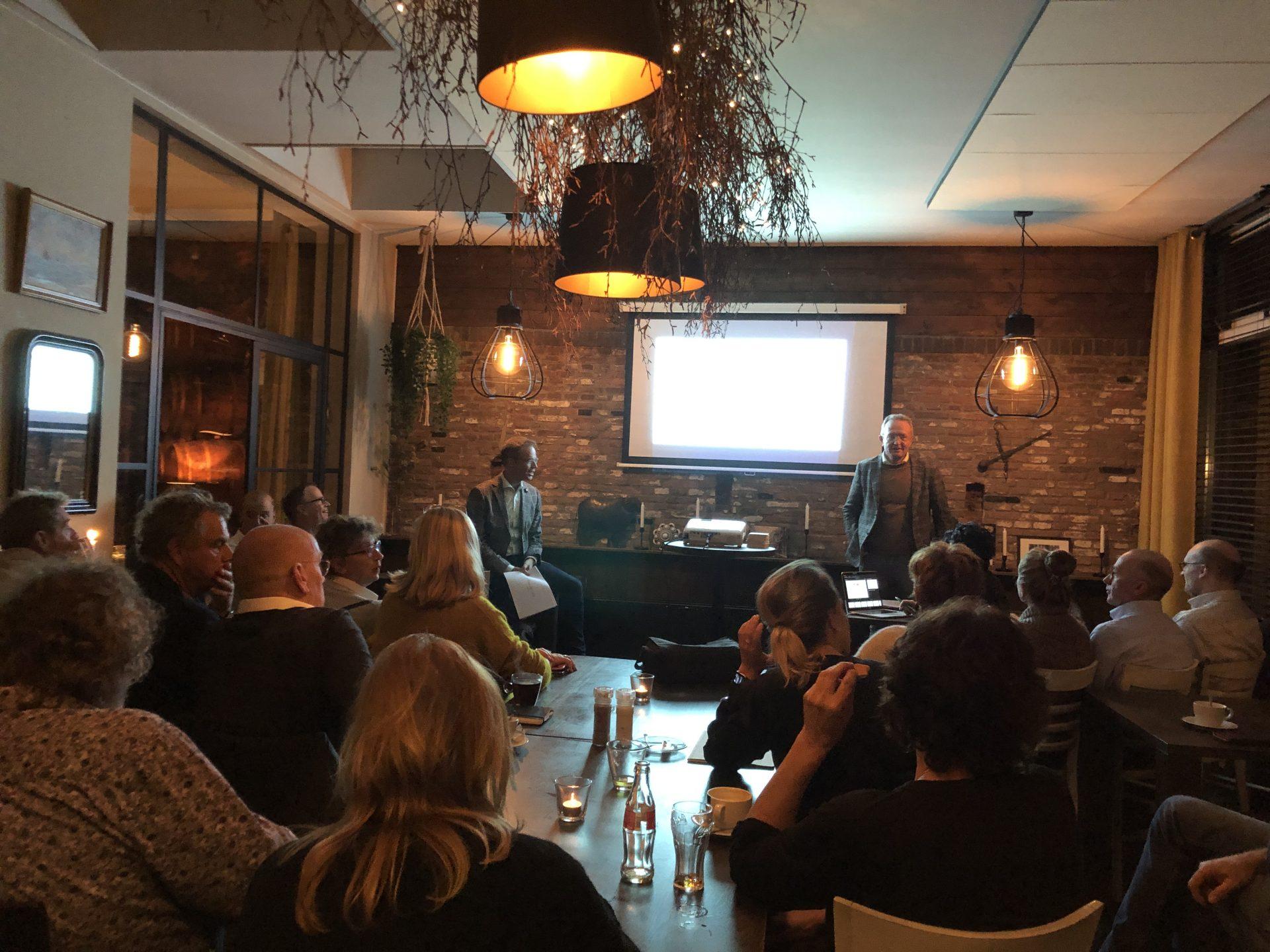 Afbeelding #000 voor het verhaal Meer sfeerverlichting in de binnenstad van Middelburg: een update én oproep van de VOM