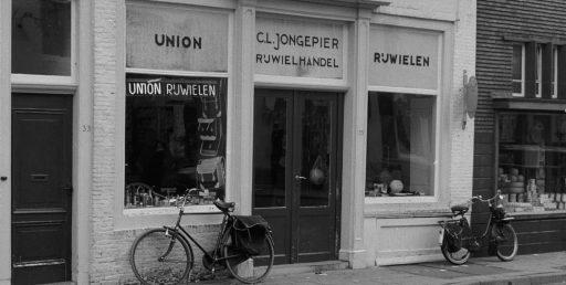 Afbeelding #002 voor het verhaal Middelburg Centrum in 1962, in 25 beelden