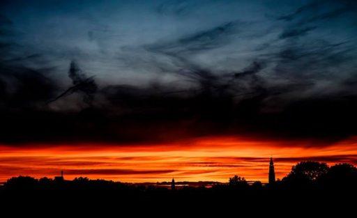 Afbeelding #000 voor het verhaal Middelburg, divided by clouds