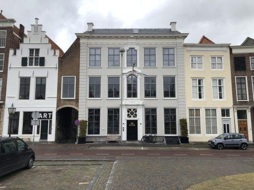 Afbeelding #002 voor het verhaal Middelburg in beweging: verhuizingen en verbouwingen op Dam en Damplein