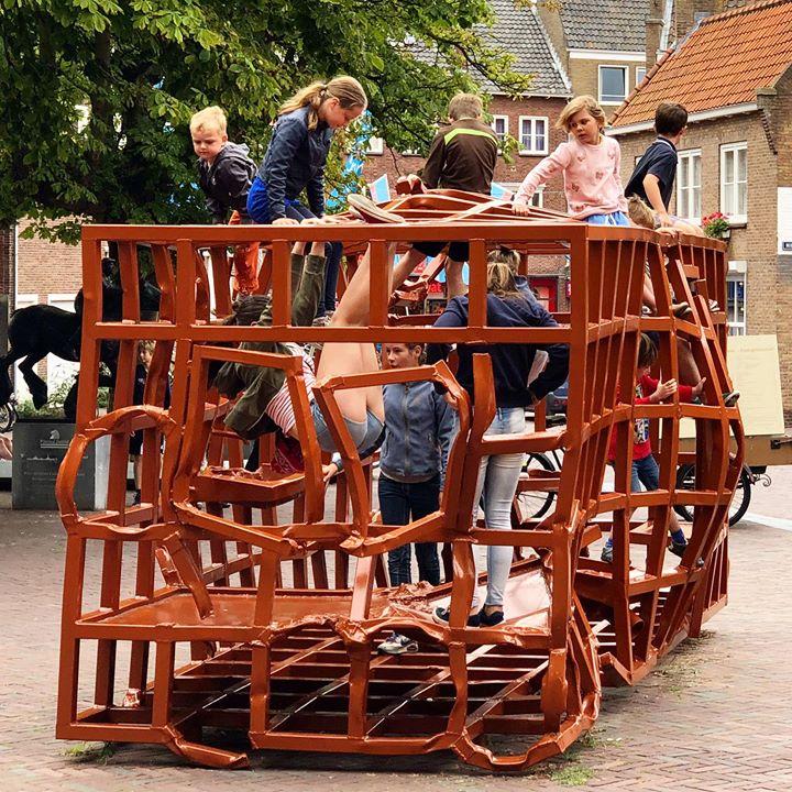 Afbeelding #000 voor het verhaal Middelburg koopt kunstwerk 'Huis' niet aan