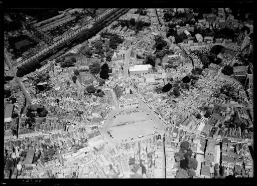 Afbeelding #000 voor het verhaal Middelburg vanuit de lucht, omstreeks 1920