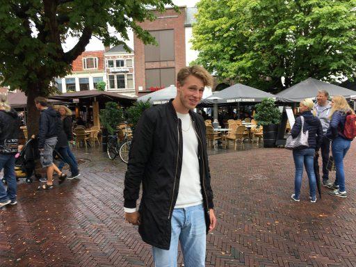 Afbeelding #002 voor het verhaal Middelburger Bekir scoort met Liefde in Overvloed