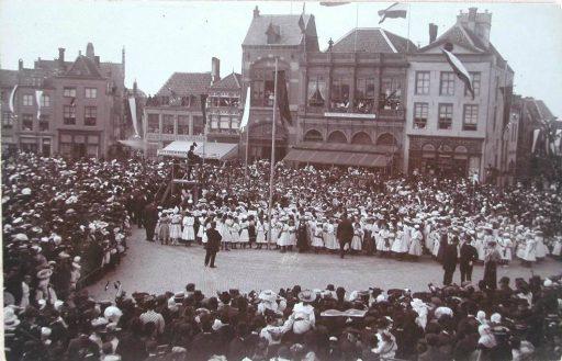 Afbeelding #002 voor het verhaal Middelburgse bedrijven van toen: De Vergenoeging op de Markt