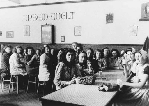 Afbeelding #002 voor het verhaal Middelburgse bedrijven van toen: de Zeeuwsche Confectie Fabriek