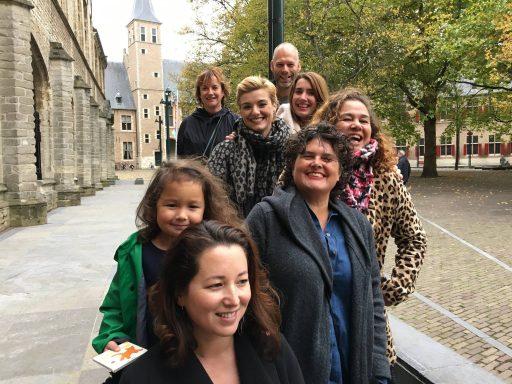 Afbeelding #000 voor het verhaal Middelburgse dames in boek 'Op zoek naar het echte Zeeuwse meisje'