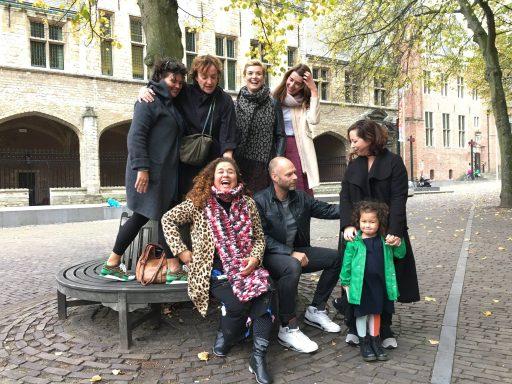 Afbeelding #001 voor het verhaal Middelburgse dames in boek 'Op zoek naar het echte Zeeuwse meisje'