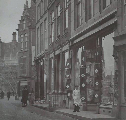 Afbeelding #001 voor het verhaal Middelburgse winkels, 1890-1920