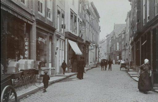 Afbeelding #002 voor het verhaal Middelburgse winkels, 1890-1920