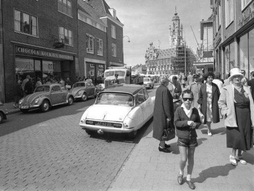 Afbeelding #002 voor het verhaal Middelburgse winkels van weleer, in 42 foto's